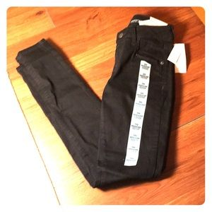 Old Navy Rockstar Low Rise Black Jeans NWT